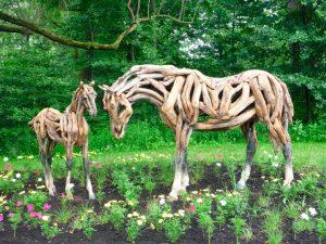 Esculturas de caballos en 7 técnicas no convencionales